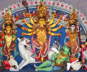 Garia Jatra Suru Sangha Durga Puja pandal