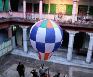 Dutta family releases a sky lantern