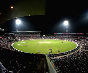 Kohli & boys to train under lights in Indore with eye on D/N Test
