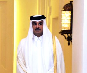 Modi holds bilateral with Qatar Emir, meets other leaders