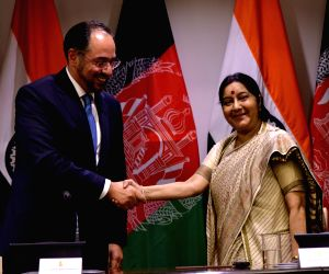 Joint press conference - Sushma Swaraj, Salahuddin Rabbani