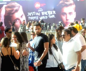 Justin Bieber fans at D Y Patil Stadium