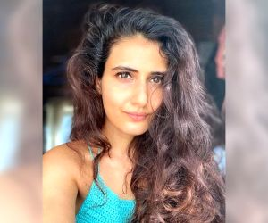 Fatima Sana Shaikh to star in Hindi remake of Tamil hit 'Aruvi'