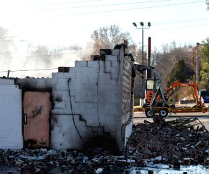 Ferguson (U.S.): Multiple businesses set on fire during night of violent protests following grand jury decision