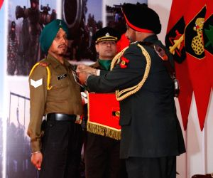 Ferozepur Cantt: Gallantry and Distinguished Service awards ceremony