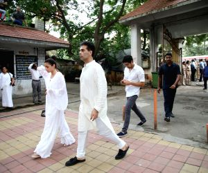 Filmmaker Karan Johar and actress Alia Bhatt arrive to attend the funeral of Krishna Raj Kapoor, the widow of the legendary Bollywood actor-filmmaker Raj Kapoor in Mumbai on Oct 1, 2018.