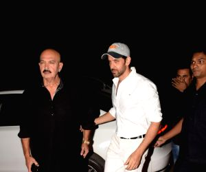 Rakesh Roshan, Hrithik Roshan at JVPD Ground