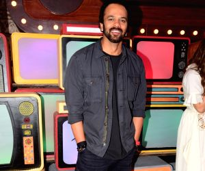 "Sara, Rohit Shetty on the sets of ""Movie Masti With Manish Paul"