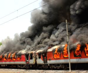 Two train bogeys catch fire, no one hurt