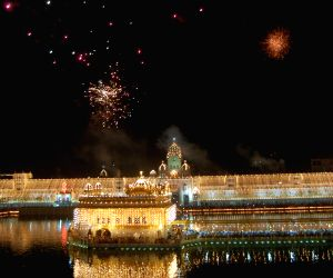 Fire crackers illuminated the sky above Golden Temple on the occasion of Diwali