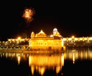 Gur Gadi Diwas -Fireworks at Golden Temple