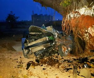 Palghar (Maharashtra) Five persons killed in car accident