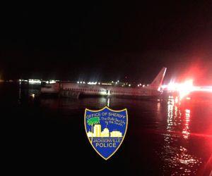21 injured as Boeing 737 skids into Florida river