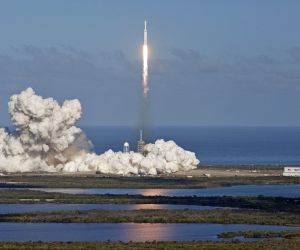 U.S.-FLORIDA-SPACEX-FALCON HEAVY-LAUNCH