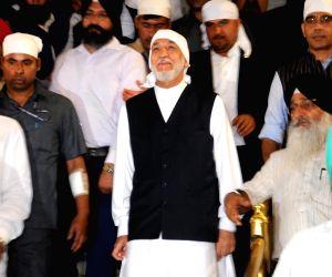 Hamid Karzai visits Golden Temple