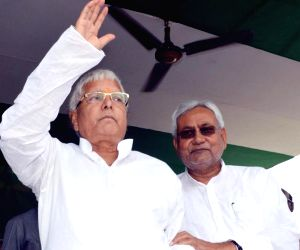 Lalu-Nitish together after 20 years