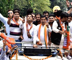 2019 Lok Sabha elections - Gautam Gambhir campaigns for Hardeep Singh Puri