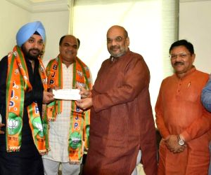 Arvinder Singh Lovely joins BJP