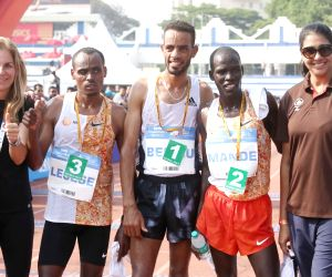 TCS World 10K run - Andamlak Belihu, Mande Bushendich, Birhanu Legese