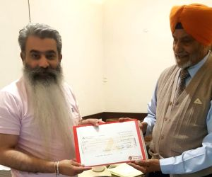 Everest climber Mohinder Singh gives Rs 5 lakh to fight COVID-19