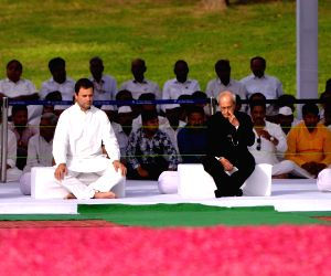 Former President Pranab Mukherjee, Former Vice-President Hamid Ansari, Former Prime Minister Dr. Manmohan Singh and Congress President Rahul Gandhi during a programme organised to pay ...