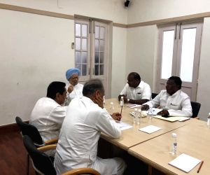 Former Prime Minister Manmohan Singh holds a meeting with Congress Chief Ministers Kamal Nath (Madhya Pradesh),  Ashok Gehlot (Rajasthan), V. Narayansamy (Puducherry) and H.D. Kumaraswamy ...
