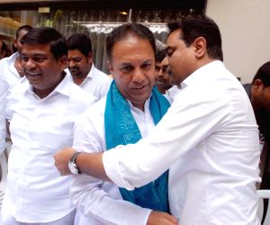 Suresh Reddy joins TRS