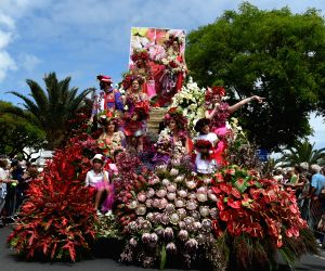 PORTUGAL FUNCHAL FLOWER FESTIVAL PARADE