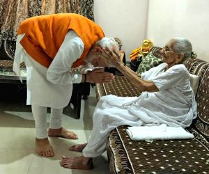 PM Modi 'touched' by Anupam Kher's mother's wish on birthday