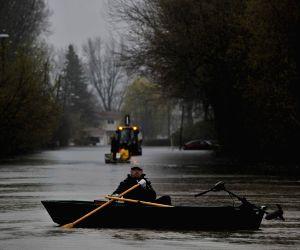 CANADA GATINEAU FLOOD