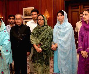 Geeta  calls on President Mukherjee