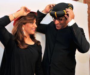 Ghazal Singer Talat Aziz celebrates 60th birthday