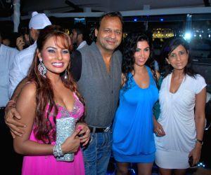 Glamorous Needhi Gill