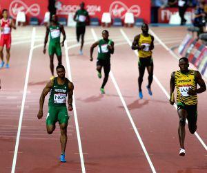 Men's 4X100m relay round 1 of Athletics