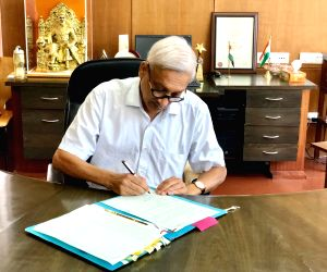 Amid criticism, Goa BJP reposes faith in Parrikar's leadership