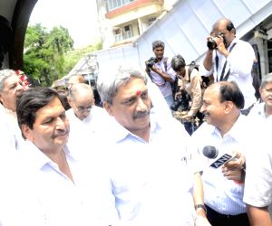 Manohar Parrikar inaugurate social worker Jaganath Sunkarseth memorial