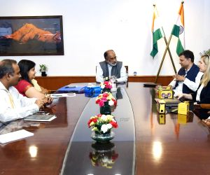 Google officials meets Alphons