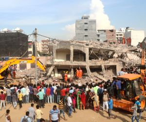 Buildings' collapse: Death toll 9, search underway