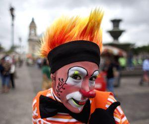 Clowns Everywhere !! Photos of Clowns around the World !!