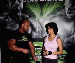 Gul Panag workout to promote Dohne Nutrition whey