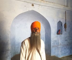 Free Photos : Despite tragic history, mosque and gurdwara stand tall in harmony