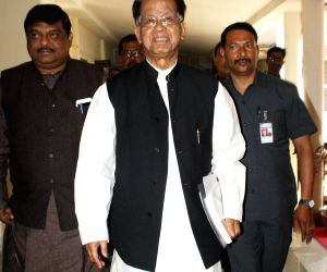 Tarun Gogoi presents Assam budget for 2015-16