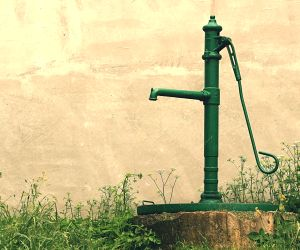 Scorching heat and Agra's water woes, same story every year
