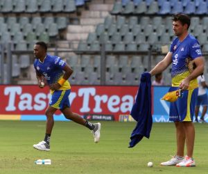 IPL 2018 - Practice session - Chennai Super Kings -  Stephen Fleming, Dwayne Bravo