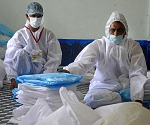 Heath experts caution against cheap hazmat suits being sold in India