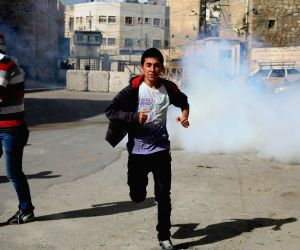 Hebron (West Bank): Clashes between Palestinian protesters and Israeli soldiers