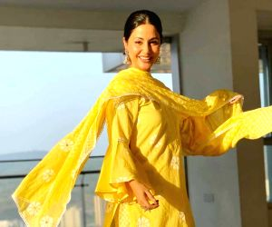 Free Photo: Hina Khan: Ramzan in lockdown is a boon