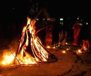 holika-dahan-underway-in-nagpur-on-march