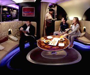 Hollywood actress Nicole Kidman in Etihad Airways? Virtual Reality movie