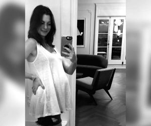 Free Photo: Not for a movie: Anne Hathaway announces second pregnancy